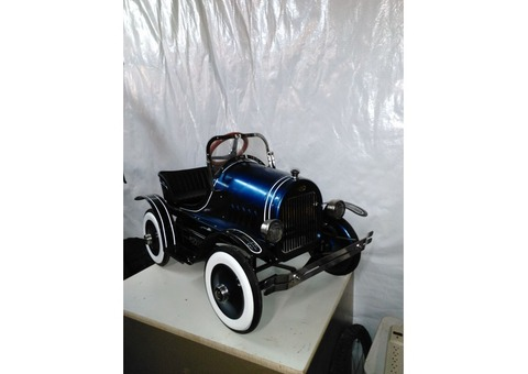 Deluxe Roadster Pedal Car